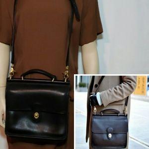 Vintage Coach Willis Leather Bag Black & Gold 9972